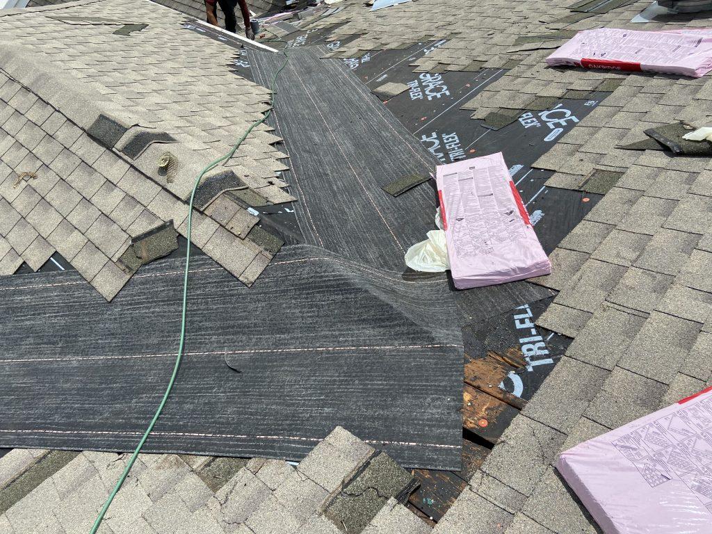 Replacing Old Roof Valleys that Leaks