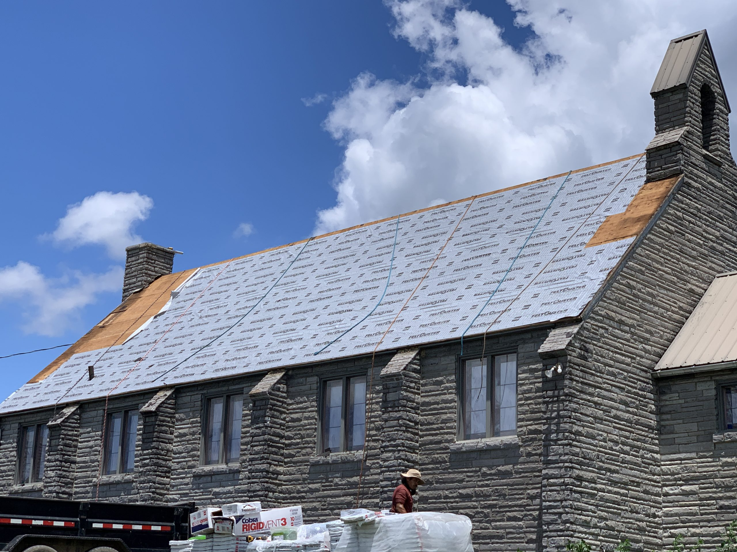 This is the view of the slope of the roof with GAF Feltbuster installed.