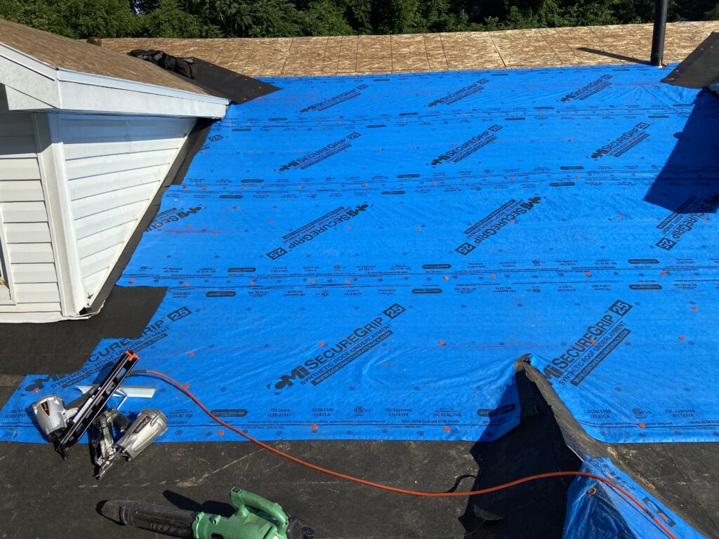 Felting a Roof Before Installing Shingles