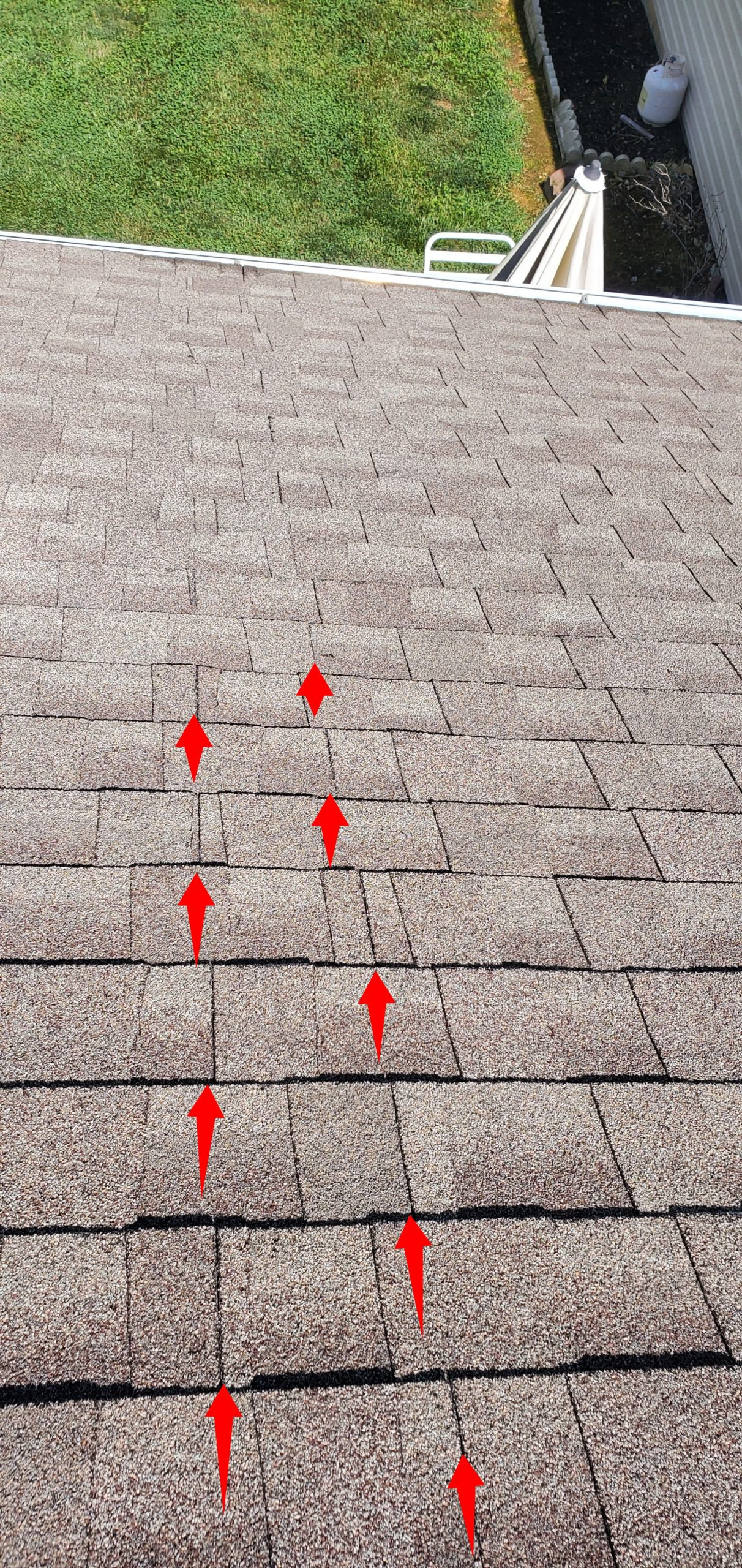 this is a picture showing improper stagger of shingles in sevierville tn