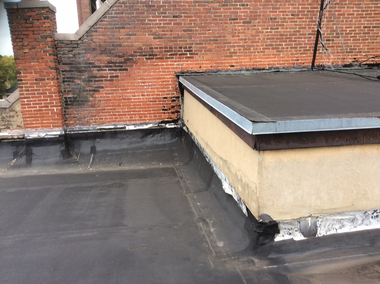 This a view of a black EPDM roof