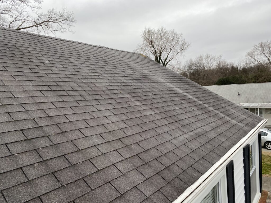 This is a picture of an old gray three tab roof