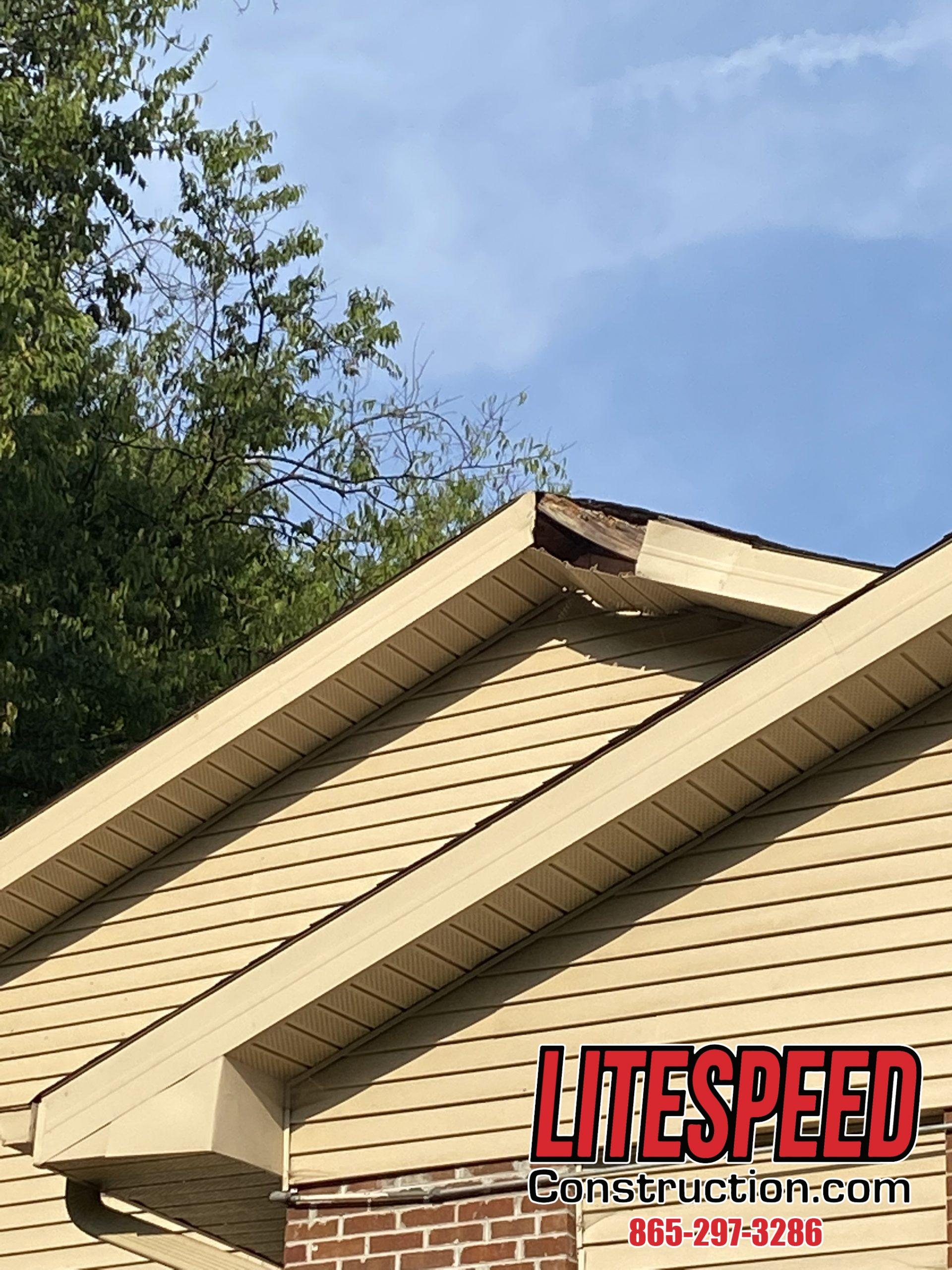 THis is a picture of fascia metal that needs to be replaced