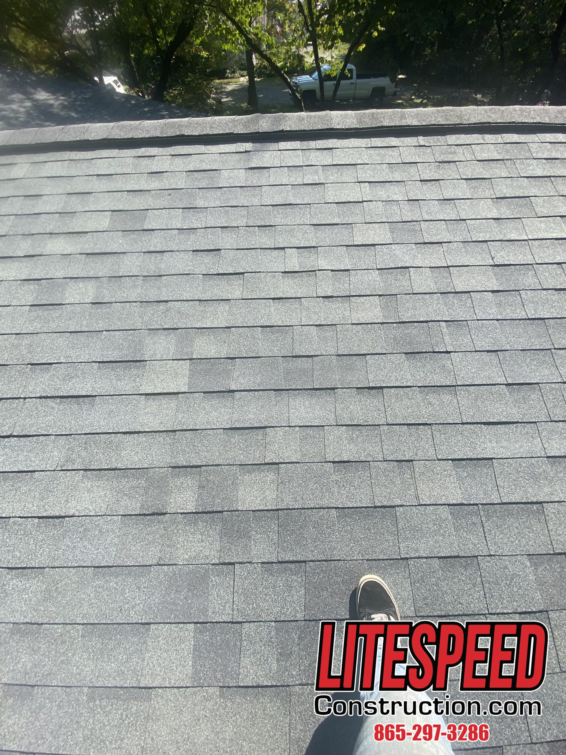This is a picture of Owens Corning estate gray shingle